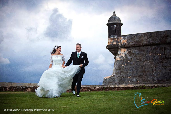 Get Married in San Juan, Puerto Rico - Wedding Couple at El Morro. Copyright: Orlando Photography