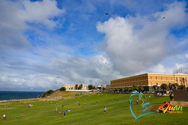 Fly a Kite at El Morro - Top things to do in San Juan, Puerto Rico
