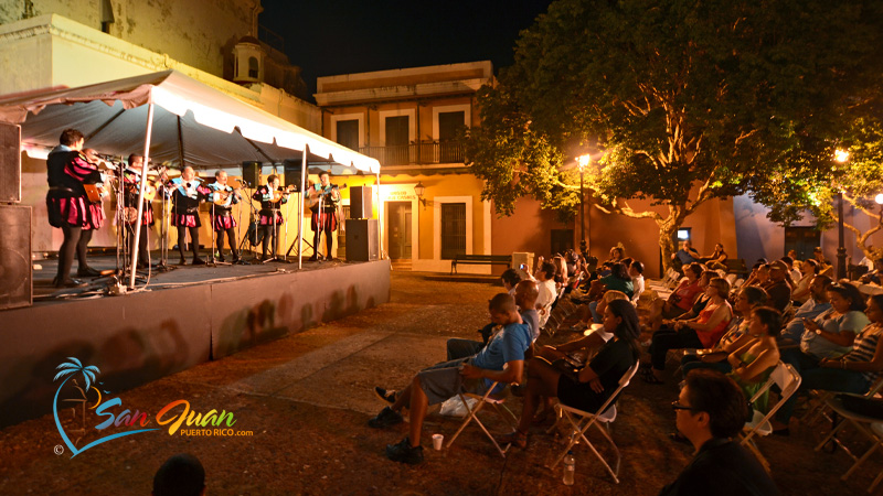Hang out at a Plaza - Best things to do in San Juan, Puerto Rico